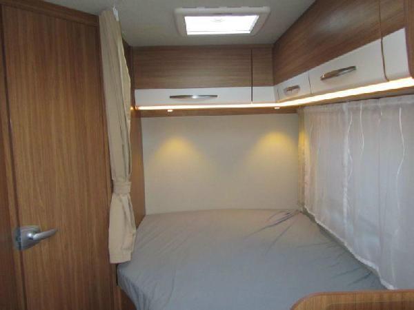 Reisemobil Carado T 348 - Bett